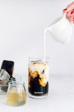 Caramel iced coffee recipe with coffee ice cubes: Summer Entertaining, Ice Cubes, Coffee Drinks, Ice Coffee, Coffee Recipes, Caramel Iced, Iced Coffee, Coffee Ice