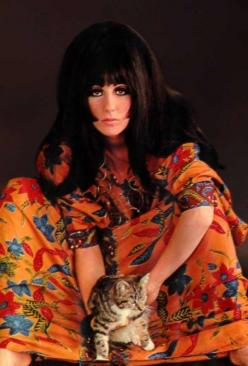 cher CELEBRITIES AND THEIR CATS: Cat People, Cats, Fashion, Famous People, 1960S, Only Cher, Photo