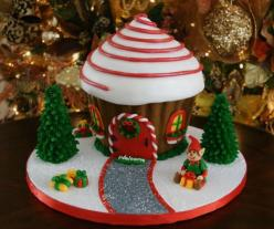 I have to try this! Christmas giant cupcake - Brilliant idea for a Christmas cake!: Christmas Cakes, Gingerbreadhouse, Holiday Cake, Giant Cupcakes, Cupcake Pan, Cupcake Gingerbread, Gingerbread Houses