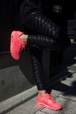 I want these leggings!: Airmax, Fashion, Style, Nikes, Nike Shoes, Nike Air Max, Pink Nike, Nike Free