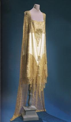 Ivory satin and gold lace evening dress, 1920s. From the Doyle couture auction, November 1999.: 1920 1930, 1920S 30S, 1920 S, Evening Dresses, 1920S Fashion, 1920S Deco, 1920S Inspiration, 1920S Evening Dress, 1920S Glamour