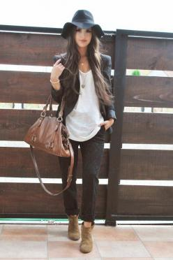 Printed jeans & boho hat black white brown fall fashion style: Hats, Fashion Style, Fall Fashion, Fall Outfit, Fall Winter