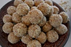 Rum Chata Balls - Me likey!!!!: Chat Rooms, Forever Circling, Sweet Treats, Food, Rumchata Balls, Circling Normal, Rumchata Recipes Cupcakes, Dessert