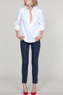 white shirt skinny jeans red heels... Love it!!! You could also do some red flats: Skinny Jeans, Style, Red Shoes, White Shirts, Red Heels, Outfit, Red Pumps, Jeans Red