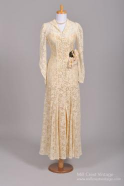 1940s Crocheted Lace Wedding Gown : Mill Crest Vintage.: 1940 S, Lace Vintage, Crocheted Lace, Fashion, Vintage Weddings, Wedding Dresses, Vintage Wedding Gowns, 1940S, Lace Wedding
