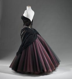 """Swan"" evening dress, 1953.: Fashion, 1950S, Vintage, James D'Arcy, Dresses, Charles James"