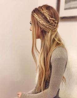 Again if you have straight hair, this works for u. I love how the braids are different thicknesses.: Hair Style, Boho Braid