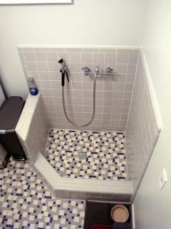 Dog-shower....and daltile's custom tiling!: Bootroom Dogs Utility, Dog Shower And Daltile S, Dog Shower I, Dog Half Shower, Dogshower Mudstation, Clean Dogs, Dog Shower Need, Dog Treat Recipes