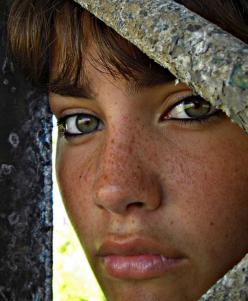 Freckles are beautiful: Girl, Beautiful Eyes, Beauty, Beautiful Faces, Beautiful People, Freckles, Portraits, Photo, Women