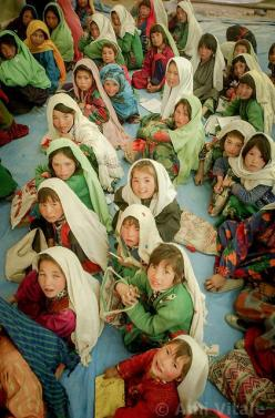 Grow to be empowered, strong willed and lovely women, little ones!: Afghanistan Faces, Afghanistan Népal Tibet, Afghan Girlso, Afghan People, Hazara Schoolgirls, Afghanistan India Pakistan, Afghanistan Cultura Vida, Afghani Girls