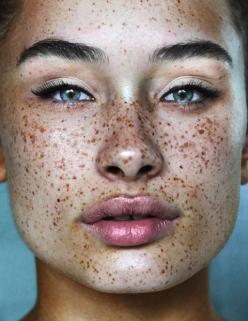 "I've seen her so many times on so many blogs. I even put her in my personal collection of ""wow"" shots, so here she is. via tumblr.com 
