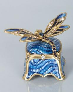 Reese Dragonfly Box by Jay Strongwater at Neiman Marcus.: Reese Dragonfly, Trinket Boxes, Strongwater Reese, Blue, Jay Strongwater, Pretty Boxes, Boxes Trinket, Dragonflies