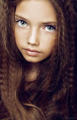 The bible talks of the new children on the planet with new dna, with large beautiful eyes and a wise soul to address our wrong path!: Pretty Face, Faces, Girls Face, Beautiful Eyes, Beautiful Children, Amazing Eyes, Gray Eye, Pretty Eyes, Kid
