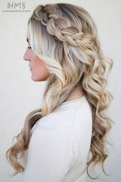 This hairstyle looks positively romantic reminiscent of Grecian hairstyles. These braids with curls can pass for long hair style ideas for weddings and other important events.: Hair Ideas, Hair Styles, Wedding Ideas, Weddings, Braids, Wedding Hairstyles