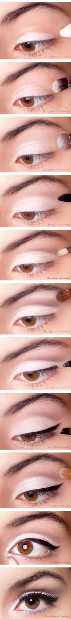 This makeup will look TERRIBLE if it is rushed and it needs perfect white tones to set in ur skin!: Makeup Tutorial, Make Up, Cat Eye, Eye Makeup, Classic Eyes, Cateye, Makeuptips, Eyemakeup, Makeupideas