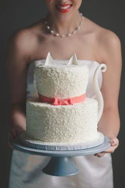 Tidewater and Tulle | A Hampton Roads Virginia Wedding Inspiration Blog: Modern Cat Bridal Shower Inspiration: Cats, Kitty Cat, Shower Cake, Crazy Cat, Wedding Cakes, Cat Bridal, Bridal Shower, Kitty Cake, Cat Cakes