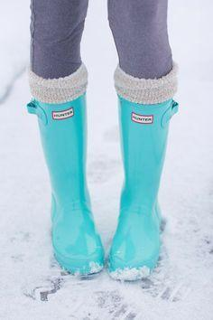 I don't usually pin clothes and the like, but I've been looking for a pair of rain boots. Now that I know these exist...: Rainboot, Hunter Boots, Rain Boots, Shoess, Tiffany Blue, Hunter Rain Boot, Blue Hunter, Christmas Gift