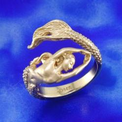 Mermaid Ring. Yes, I know a man that would wear this. He also speaks to mermaids. :-): Little Mermaids, Idea, Little Mermaid Ring, Rings, Jewelry, Beautiful Mermaid, Little Mermaid Wedding