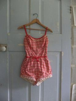 Omg. I. Seriously. NEED! 1950s Bathing Suit Red 50s One Piece Bathing by SassySisterVintage,: Cute Swimsuits, 50S Bathing Suit One Piece, Suit Jantzen, Jantzen Xs, 1950S Bathing Suits