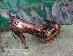 OMG!  Steampunk heels!  Check out this sight.  Amazing!!!!  http://blueboxbabe.blogspot.com/2012/02/alternative-glass-slipper.html: Slippers, Alternative Glass, Steampunk Shoes, Glasses, Style, Steam Punk, La De Dah, Shoes Deserve