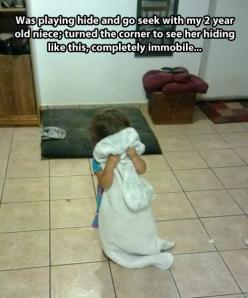 Playing hide and seek with a little girl...: Funny Pictures, Weeping Angel, Funny Stuff, Funnies, Funny Kids, Seek