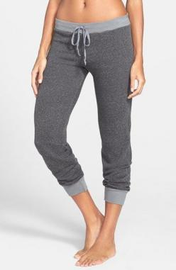 Wishing I had these to wear. #comfort #cozy | @Nordstrom: Evolution Sweatpants, Clothes, Sweatpants Omgirl, Comfy Nordstrom, Cute Photos, Omgirl Evolution, Capris Nordstrom, Sweatpants Nordstrom