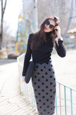 Polka dot pencil skirt with a long sleeve black turtle neck.: Polka Dots, Polkadot, Street Style, Workoutfit, Pencil Skirts, Work Outfit, Polka Dot Skirt
