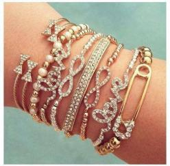 Love these! Especially the little bow bangles up at the wrist!!!: Arm Candy, Fashion, Girl, Style, Armcandy, Cute Bracelets, Jewelry, Safety Pins, Accessories