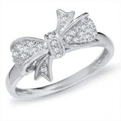 This ring is so precious! It is very similar to a ring my parents bought me as a teenager. I think I need it! :)