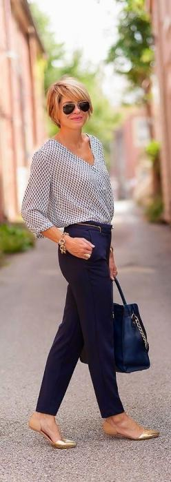 Flat shoes for work BLOUSE looks like Sewing the New Classics Patterns, I like the clean look of this outfit