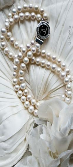 Chanel pearl silver necklace | LBV ♥✤