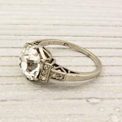 Kwiat 'Vintage' Oval Diamond Ring: Kwiat Diamond, Rings Beautifull, Diamonds Rings, Kwiat Vintage, Gold Rings, Round Cut Diamonds, Rings Bless, Oval Diamond Rings, Vintage Diamond Rings