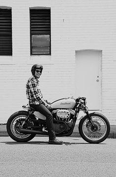 Cool Stuff We Like Here @ CoolPile.com ------- << Original Comment >> ------- Perfect <3 Pretty sure I could handle this motorcycle