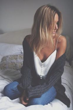 Pinterest: kcharm96 ✯ Follow for more pins like this :): Casual Style, Clothes, Street Style, White Tank Top Outfit, Cozy Sweaters, Fall Winter, Winter Fall