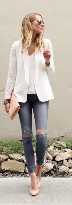 Street style | Shredded denim, white shirt and blazer with tan clutch and heels: Summer Fashion, Casual Style, Outfits Casual, Summer Outfit, Street Style, White Blazer Outfit, Casual Blazer, White Jeans Outfit