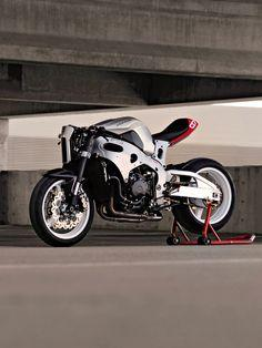 """If you love customs and don't mind changing your underwear after every ride, Bill Webb has the solution for you. The industrial designer's latest creation is the Stoc RR: a 178 hp Honda CBR1000rr turned into a """"café fighter."""" Follow Bike EXIF on Insta"""