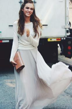sweaters and maxi skirts: Street Style, Maxis, Long Skirts, Long Sleeve, Street Styles, Pleated Maxi Skirts, Spring Outfit, Style Fashion, Flowy Skirt