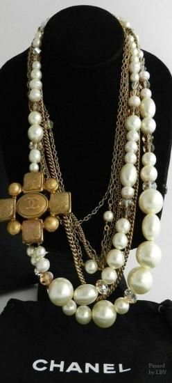 Miss Millionaires of Pennsylvania: Chanel Pearls | necklace #goldgame
