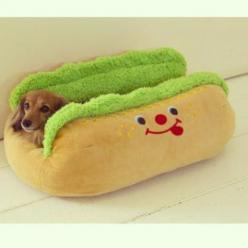 Amazing dachshund bed!!! I think this should be Oscars house warming present!: Animals, Stuff, Dachshund, Hotdog, Doxie, Pets, Dog Beds, Hot Dogs