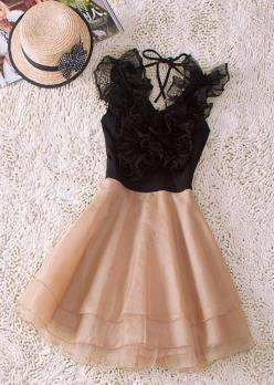 One of the reasons I love being a girl.....the dream of wearing something THIS adorable one day.  Ruffled Dress
