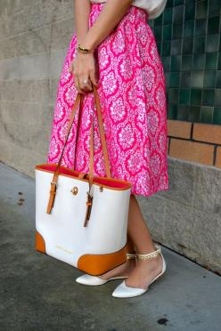 Royal Fuchsia Midi Skirt from trunk-up.com, loving the pattern and style! Fishbowlfashion styled it so well with the tote and flats!