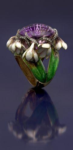 ARCHIBALD KNOX 1864-1933  Attrib.  Murrle Bennett & Co Ring   Gold Pearl  H: 1.5 cm (0.59 in)   Marks: M.B.C. & 18ct  British, c.1900  (Ref: 7704): Art Nouveau Ring, Gold Pearl, Gold Rings, Archibald Knox, Gold Jewelry
