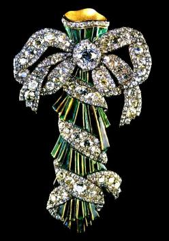 Diamond and Enamel Brooch from the Imperial Jewels of the Diamond Fund of Russia (=)