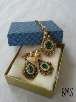 Vintage Gold, Pearl & Emerald Jewelry Set by Avon @vintagepod $25