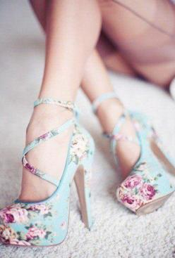 floral high-heel shoes: Fashion, Style, High Heels, Floral Heels, Shoes Shoes, Flower, Floral Shoes