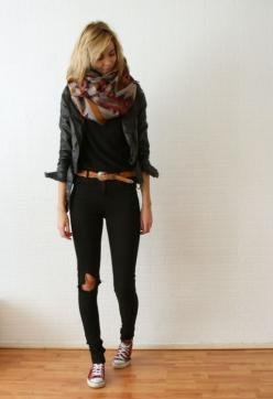 love this whole outfit: Fashion, Style, Dream Closet, Big Scarves, Fall Outfit, Scarfs, Big Scarf, Black Jeans, Fall Winter