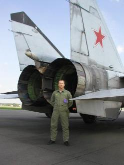 The Mig-25 has some huge engines.: 25 Huge, 25 Engines, Military Aircraft, Mig25 Buscar, Airplane, 25 Foxbat, Huge Engines