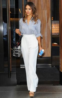 The Top 7 Most Influential Celebrity Power Dressers: Wide Leg Trouser, Street Style, Wide Leg Pants Outfit, High Waist Trouser, Jessicaalba, Jessica Alba Outfit, Power Dressers, Platform Shoe