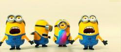 Funny Minion Punch Animated GIF Message. Cute minions. Tap to see more animated GIF as Greeting cards & messages for Facebook Messenger, Emails, mobile screensavers. @mobile9 #gif
