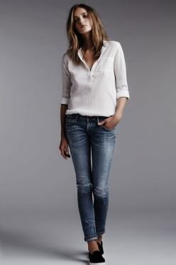 The original neutral, casual outfit. White blouse and jeans. find more women fashion on misspool.com: Fashion, Casual Style, Casual Outfit, Clothes, Blue Jeans, White Shirts, Denim, White Blouses, White Top